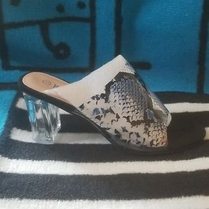 Nature Breeze clear and blue mule